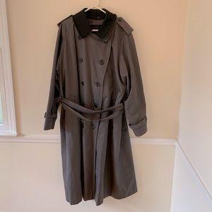 Burberry's men's trench coat TALL